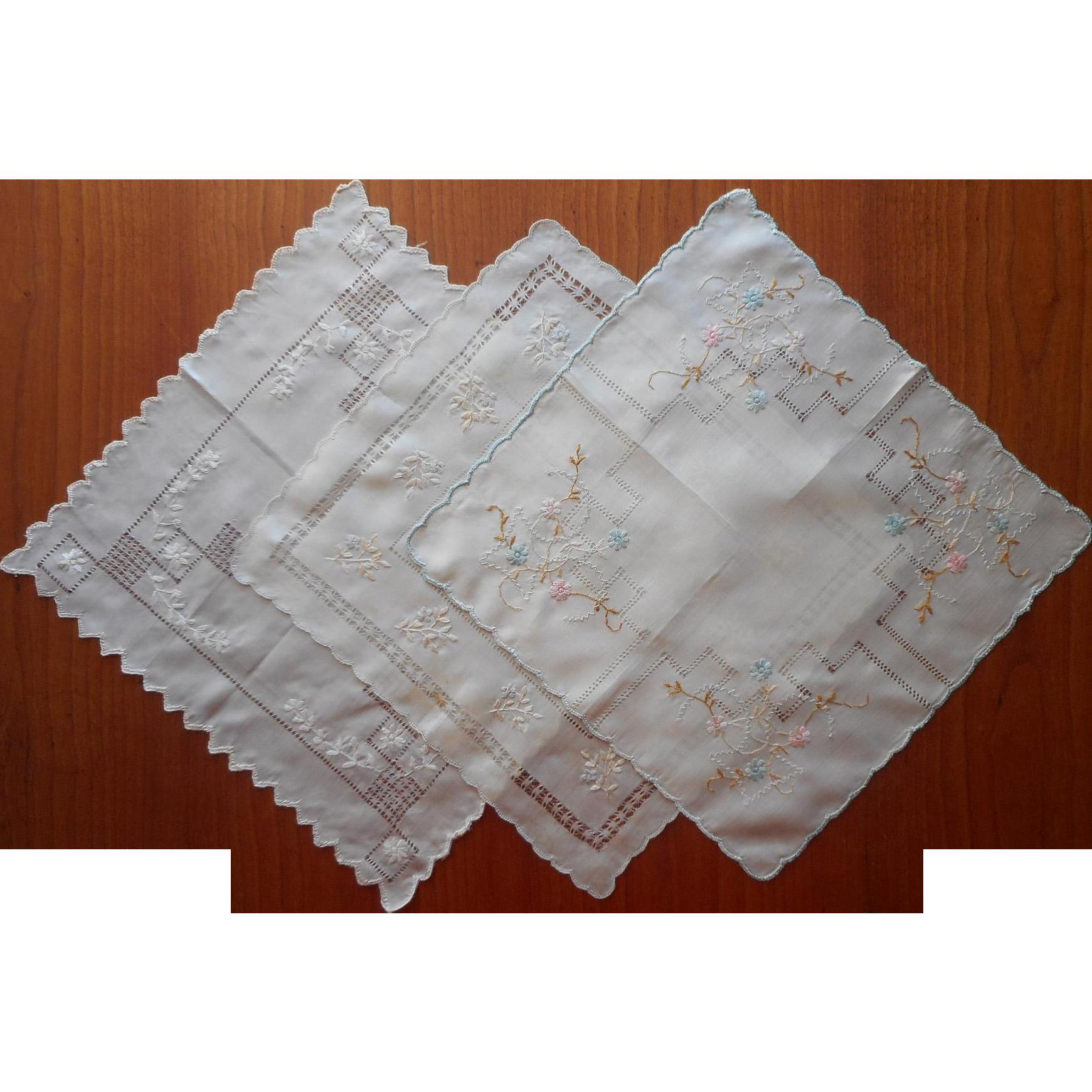 Antique Silk Hankies Hankie Set Of 3 Hand Embroidery Handkerchief