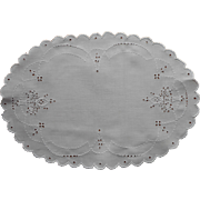 1920s Tray Doily Vintage Linen Cutwork Hand Embroidery Baskets TLC
