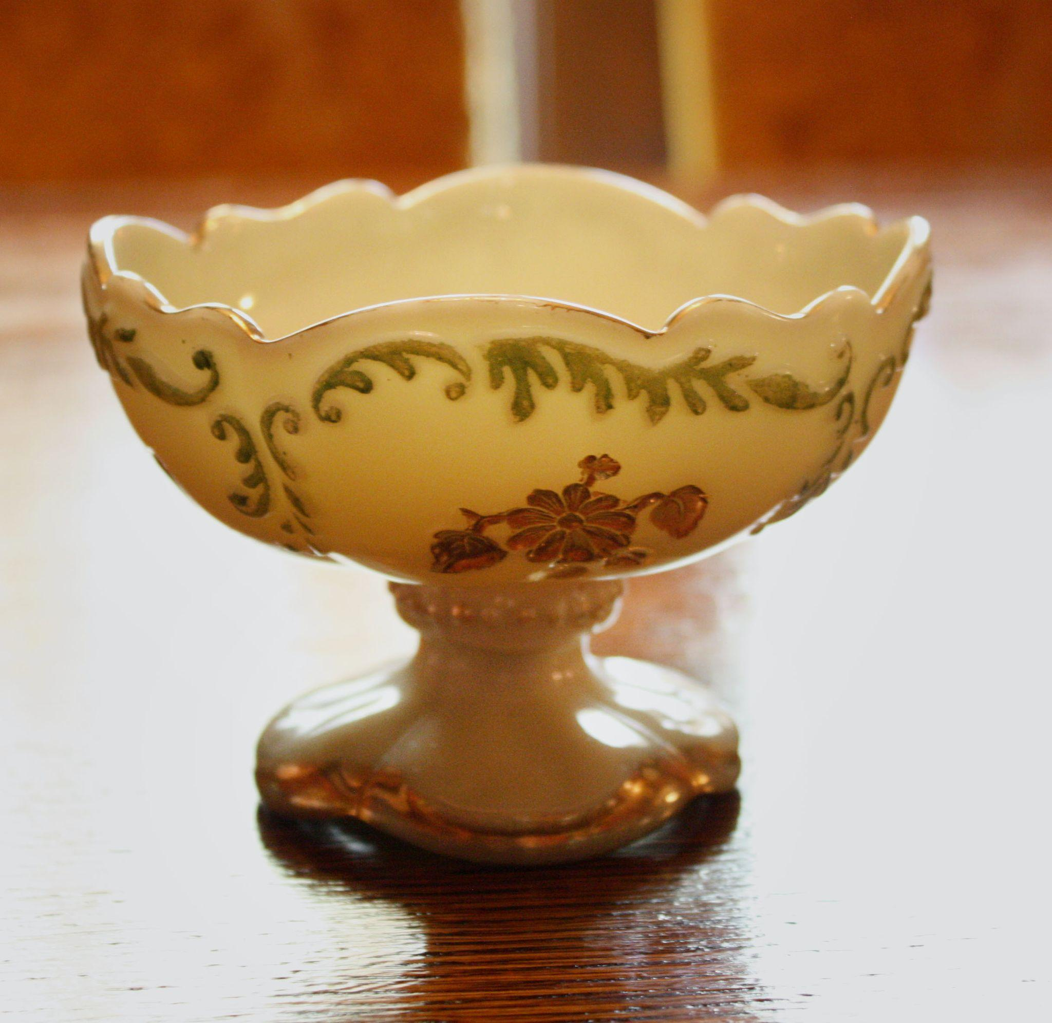 Set of Three Intaglio Northwood Berry Bowls