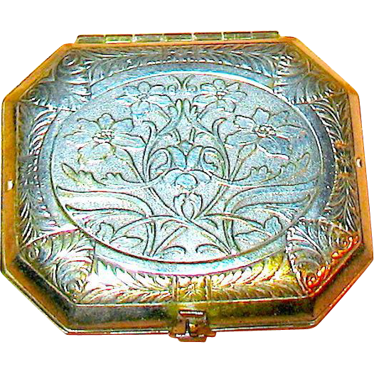 "Beautiful 20's Art Nouveau Woodworth ""Karess"" Vanity Compact"