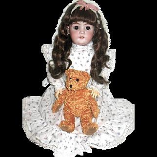 Gorgeous Sweet French Market Simon Halbig Doll - free shipping