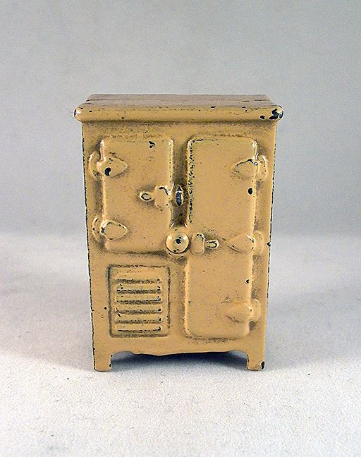"Kilgore 1 2"" Cast Iron Refrigerator Dollhouse Furniture"