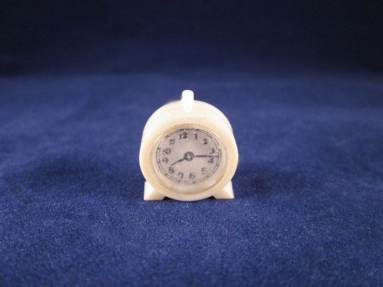 "Renwal 3/4"" No. 11 Kitchen Clock White Dollhouse Accessory"