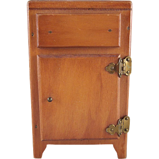 "Wanner 1-1/2"" Refrigerator Dollhouse Furniture"
