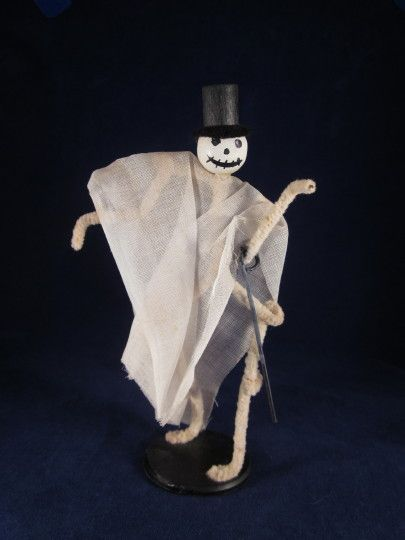 HOLD Skeleton Figure with Top Hat & Cane Halloween Party Favor Decoration