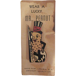 New York 1939 Worlds Fair Mr. Peanut Wooden Pin on Original Card