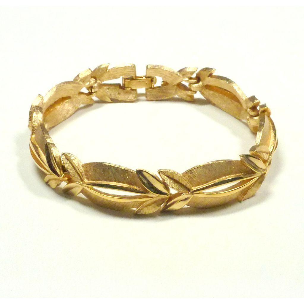 Vintage Trifari Bracelet Gold Tone Links Crown Trifari Mark