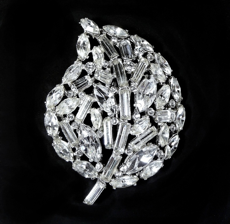 Vintage Hollycraft Pin Massive Clear Rhinestone Leaf Pin Signed