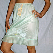 Vintage 1950 Sea Foam Green pleated Half Slip NEW NWT Small