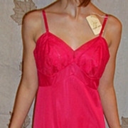 Vintage 1960 Vanity Fair Red Full Slip size 34 NEW NWT