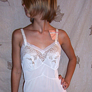 Vintage 1950 Bridal White Full slip By Aristocraft Size 34 NEW NWT NOS