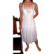 Vintage 1950's Wonder Maid Lingerie St. Louis White Full slip NWT NEW NOS Size 34 –36