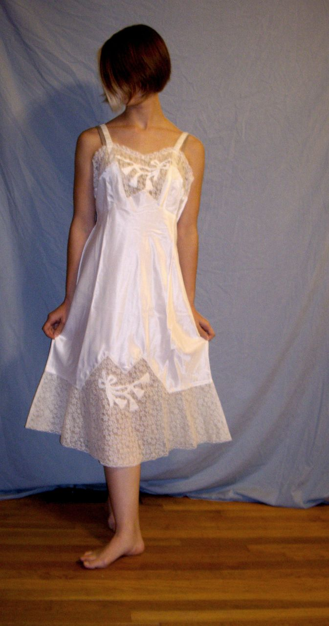Vintage 1930 Godfried Rayon White Bridal Wedding NEW Full Slip Size 36 Lots of Lace