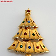 Festive Signed JJ Rhinestone Christmas Tree Brooch Pin