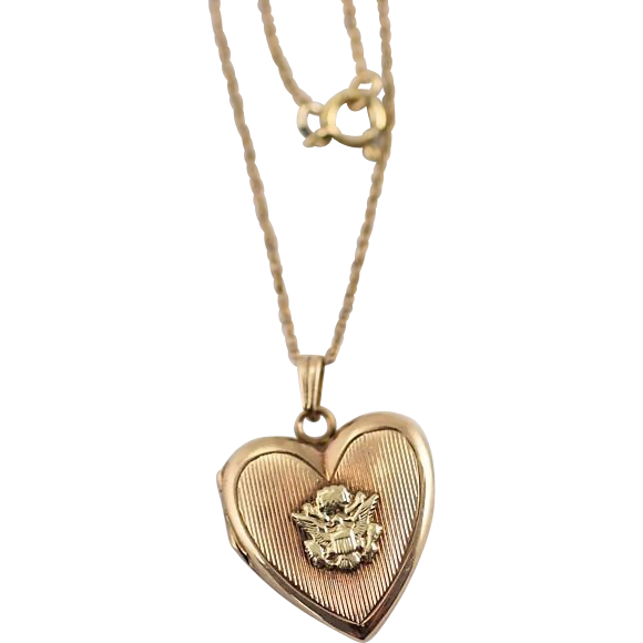 Vintage WW2 Era US Army Insignia Heart Locket Necklace