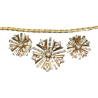 Vintage 1949 Trifari Snowflake Book Piece Rhinestone Demi Parure Set ~ Earrings, Brooch/Pin/Pendant, and Chain Necklace