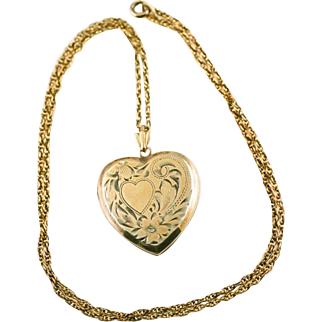 """Vintage Etched Heart Double Photo Locket Pendant and 19"""" Chain Necklace"""