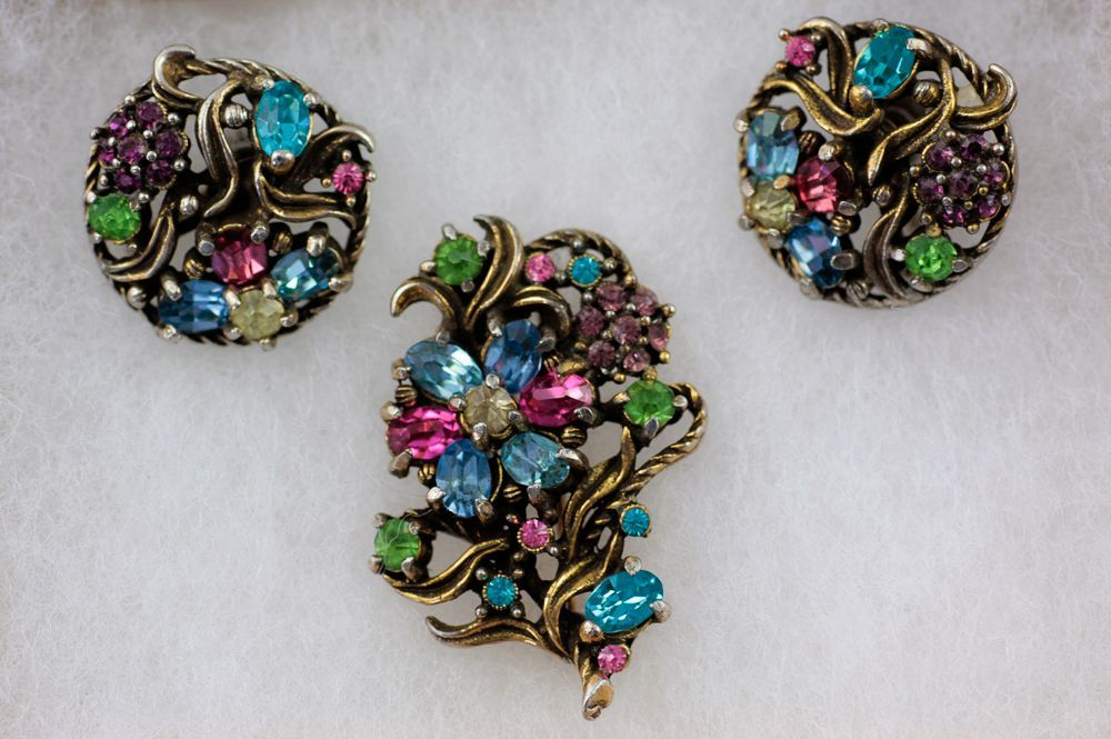 Lovely Hollycraft Pastel Rhinestone Demi Parure ~ Floral Brooch and Earrings