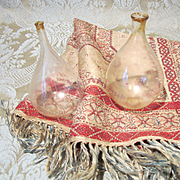 Neapolitan Creche Accessories: 2 Glass Demijohns and a Woven Tapestry - Vintage