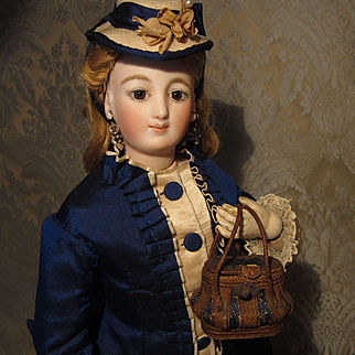 Exceptional Miniature Original Necessaire for French Fashion - Bombe Style