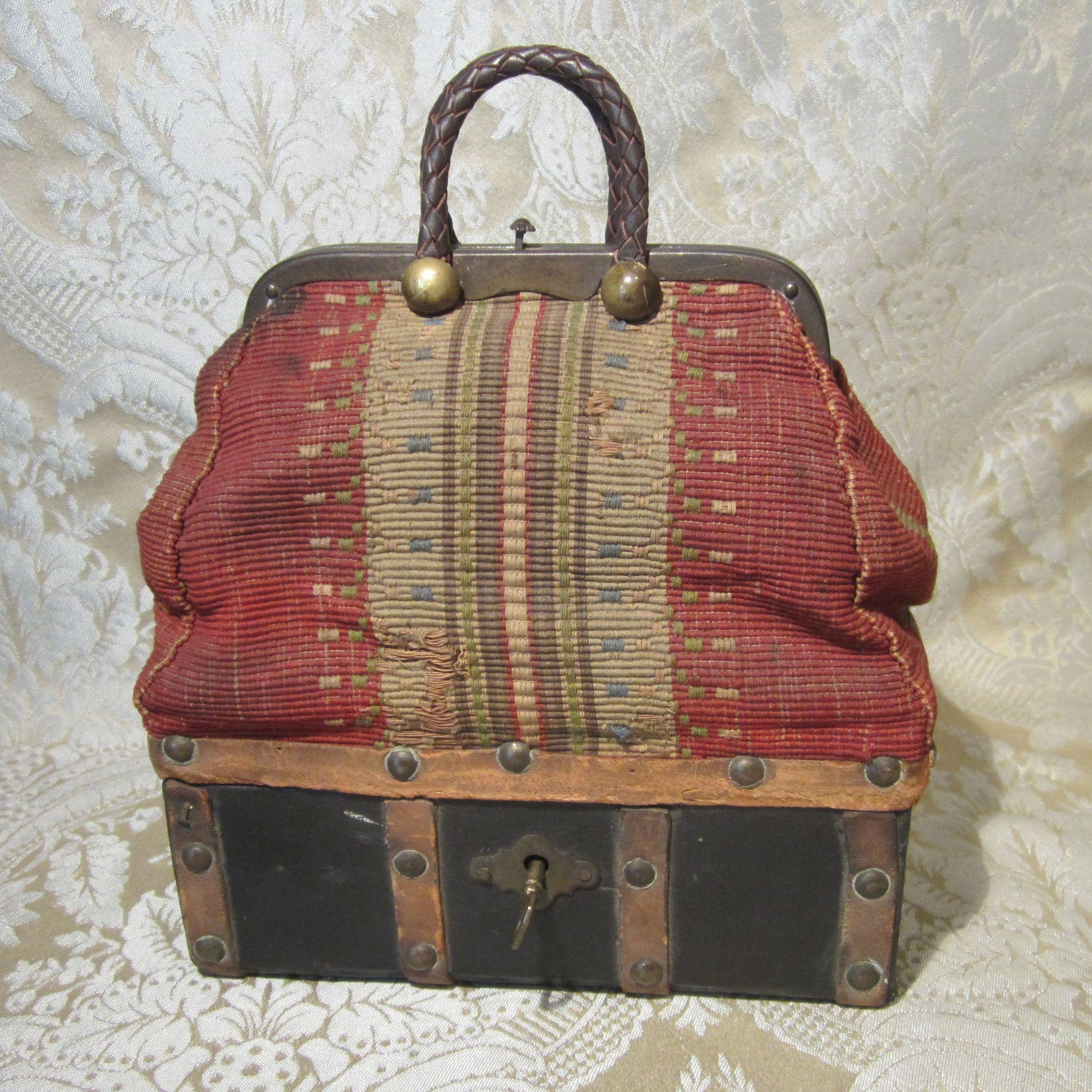 miniature antique sac de voyage for french bebe or larger fashion doll from mllebereux on ruby lane. Black Bedroom Furniture Sets. Home Design Ideas