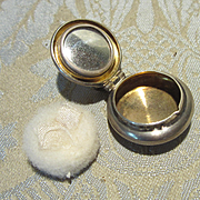French Fashion Miniature Powder Compact With Puff