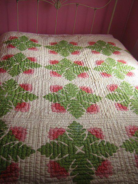 Antique Quilt C 1870 Cockscomb red green applique
