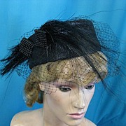 Vintage hat 1950s w feather and net