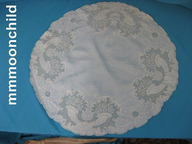 Antique Victorian  lace tablecloth runner