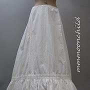 Antique Victorian Petticoat  White cotton and lace HM16