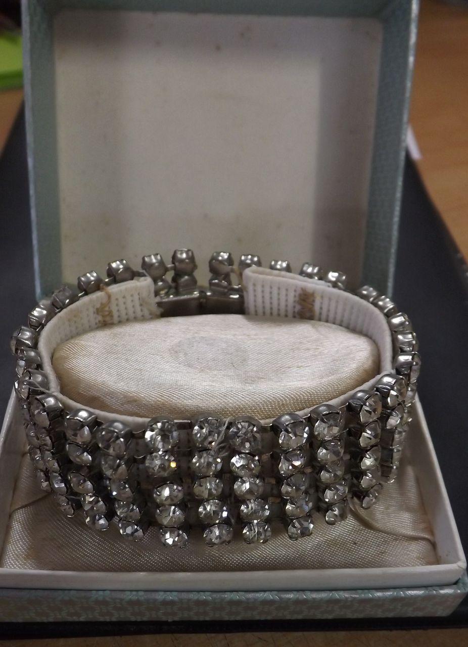 Lovely Diamante Bracelet  - Circa 1940's.