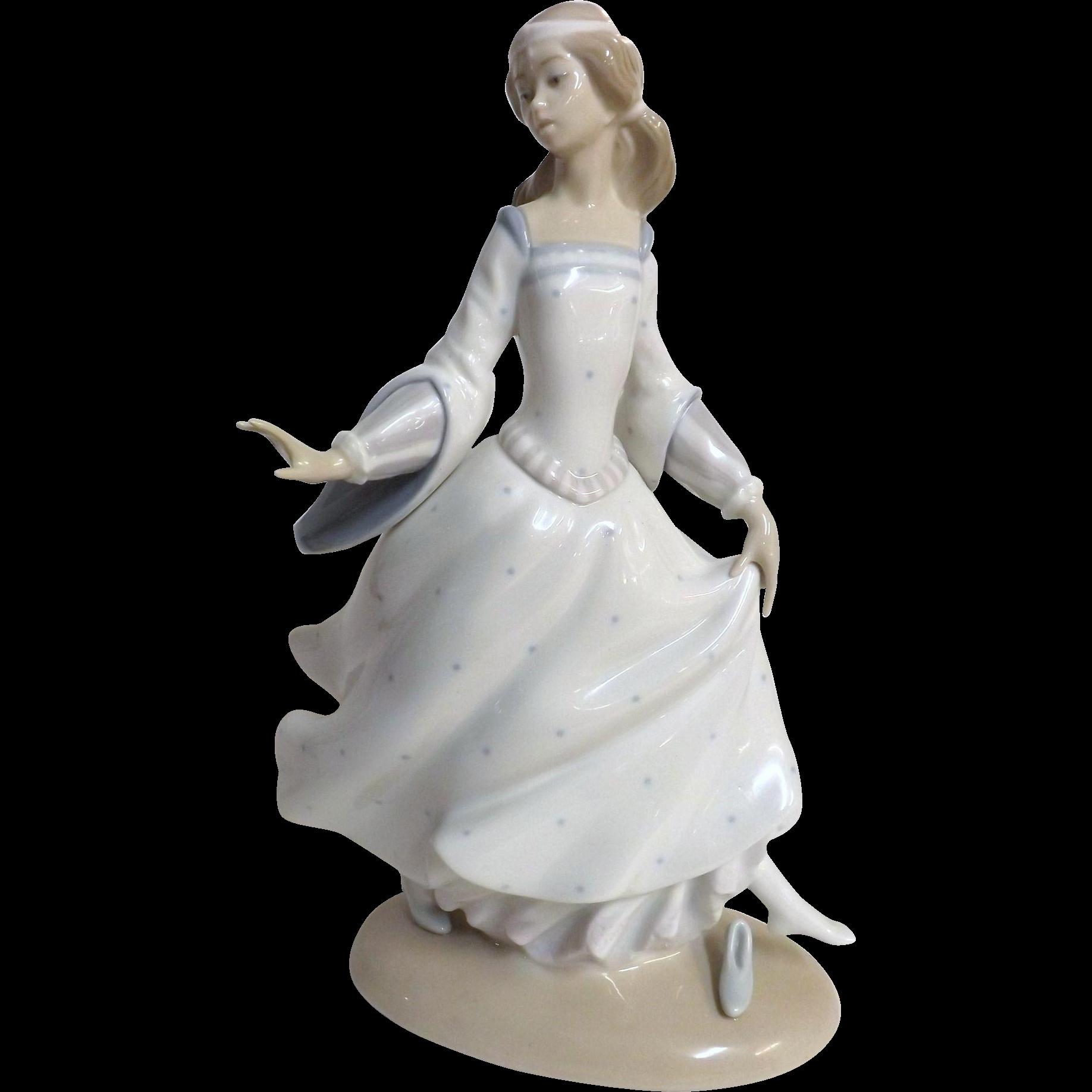 Lladro 'Cinderella' 2523