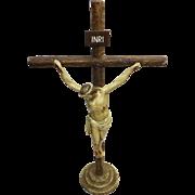 Superb Peruvian 'Paris Gesso' Deco Crucifix - Circa 1930-1940