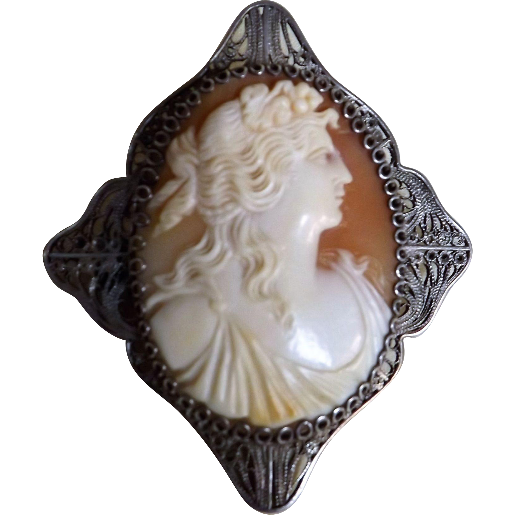 Italian Cameo Brooch Set in Continental Filigree Silver - Circa 1900-1910