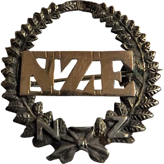 New Zealand Engineers 'Sweethearts' Badge  - World War One - Silver & Gold