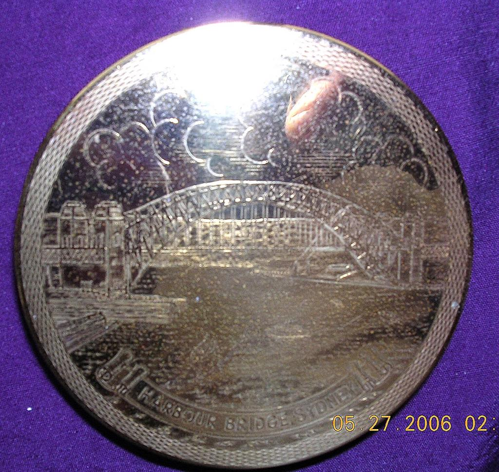 "Vintage Brass Powder Compact ""Sydney Harbour Bridge"" Souvenir."