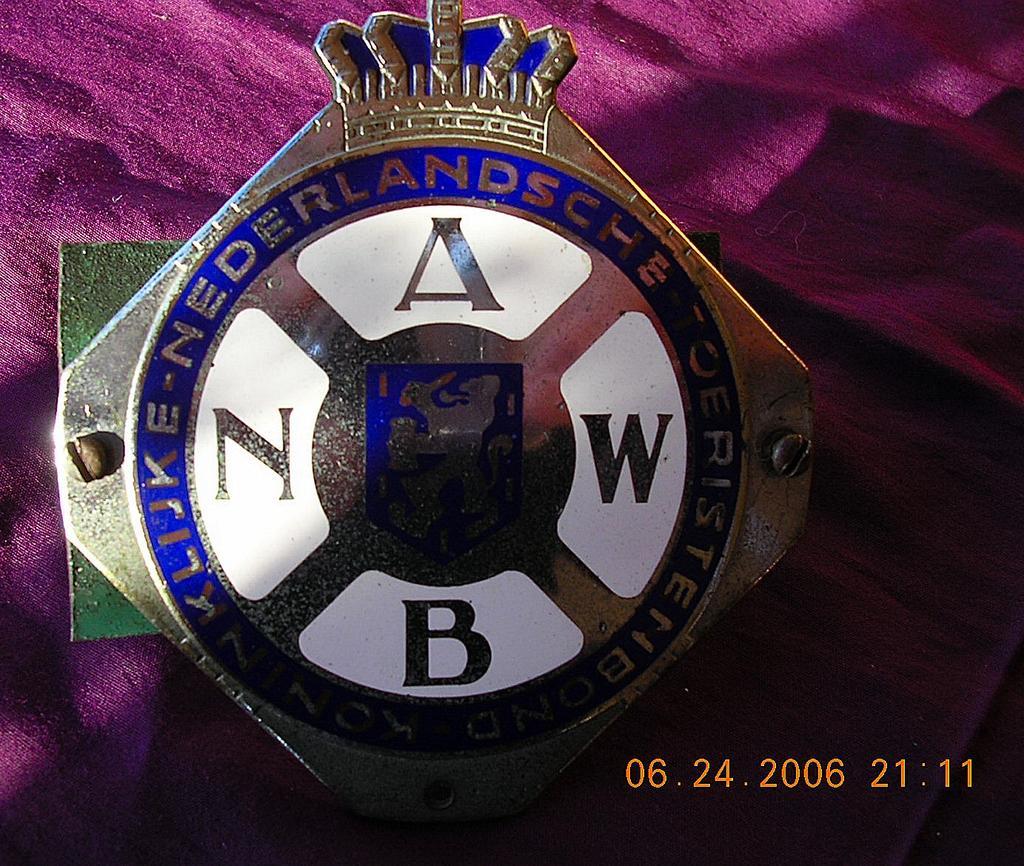Vintage Dutch Automobile Association Car Badge