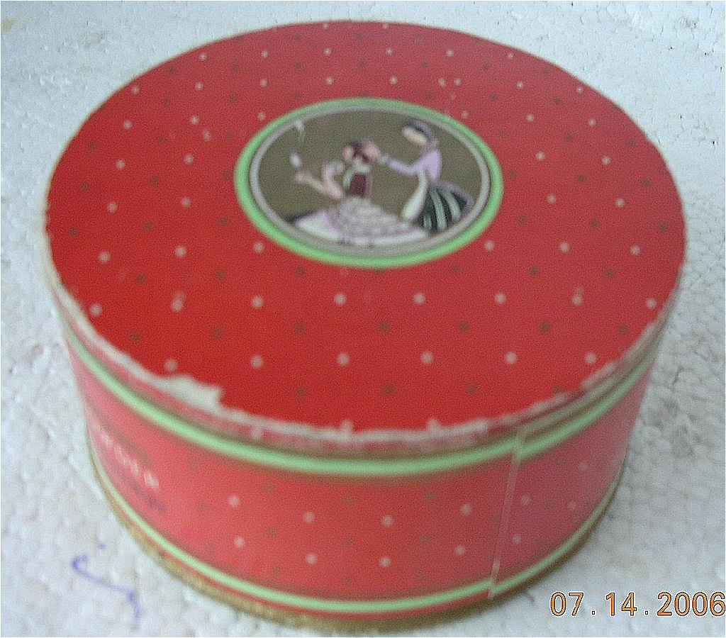 "Vintage Richard Hudnut ""Three Flowers"" Face Powder"
