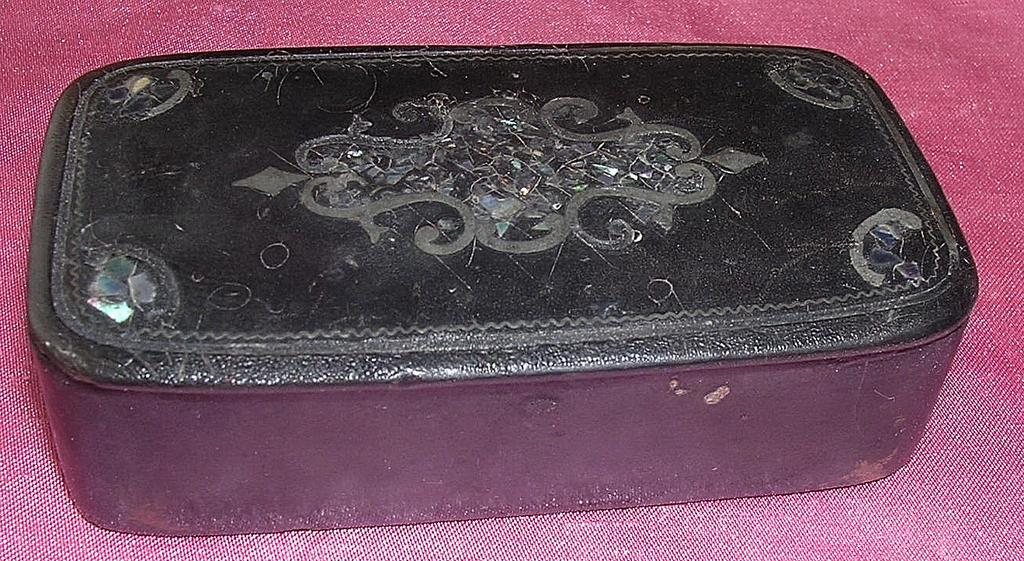 Georgian Papier Mache With Mother Pearl Inlay Snuff Box