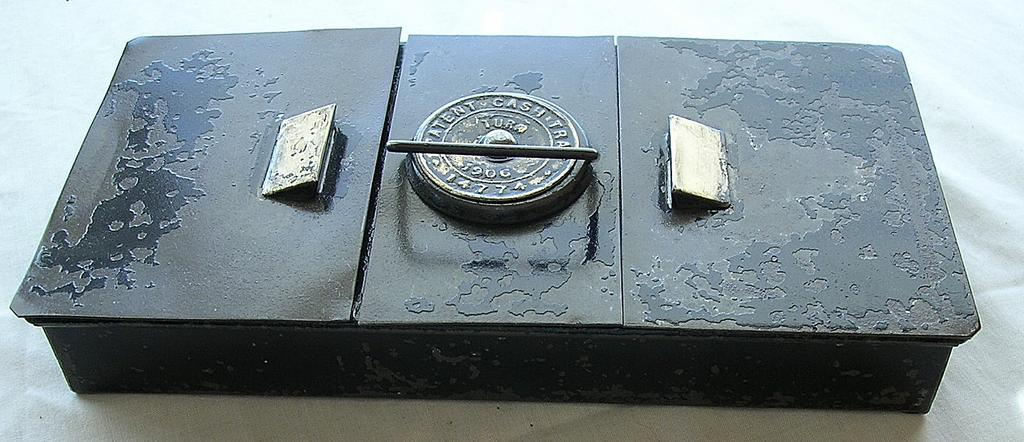 Edwardian Period 1906 Patent Tin Cash Tray