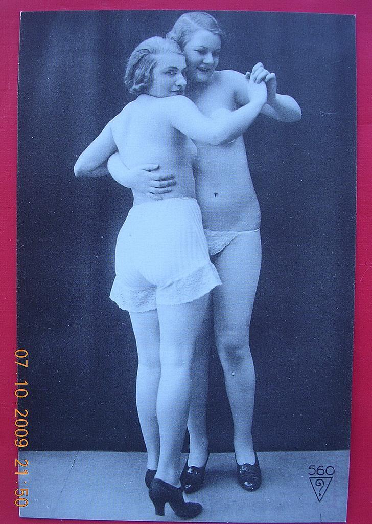 Nude Italian Lesbians 117