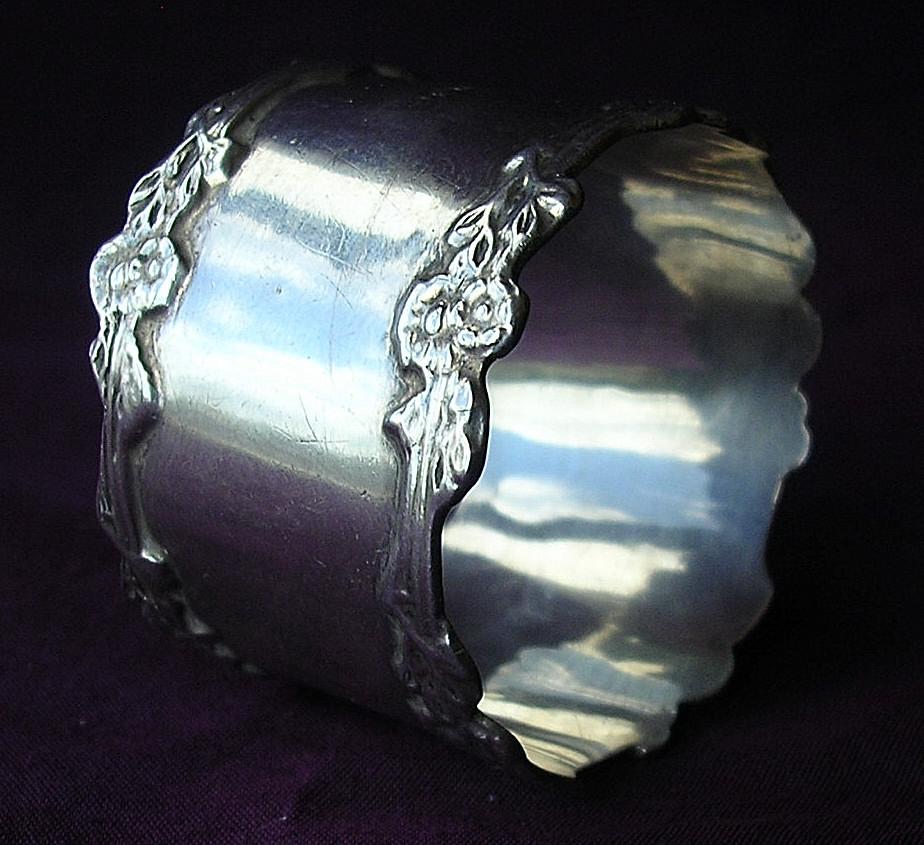 Sterling Silver English Napkin Ring 1909