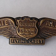 JIMMIE ALLEN 'Richfield Hi Octane' Advertising Metal Badge