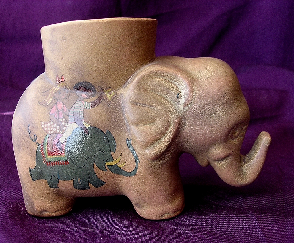 Old Elephant 'Black Americana' Egg Cup