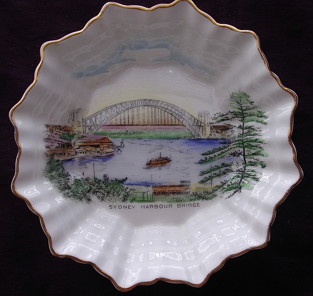 1930's SHELLEY Porcelain' Sydney Harbour Bridge' Commemorative Dish Circa 1935