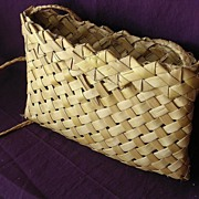 Vintage Pacific Islands Woven Flax KETE or Handbag / Purse