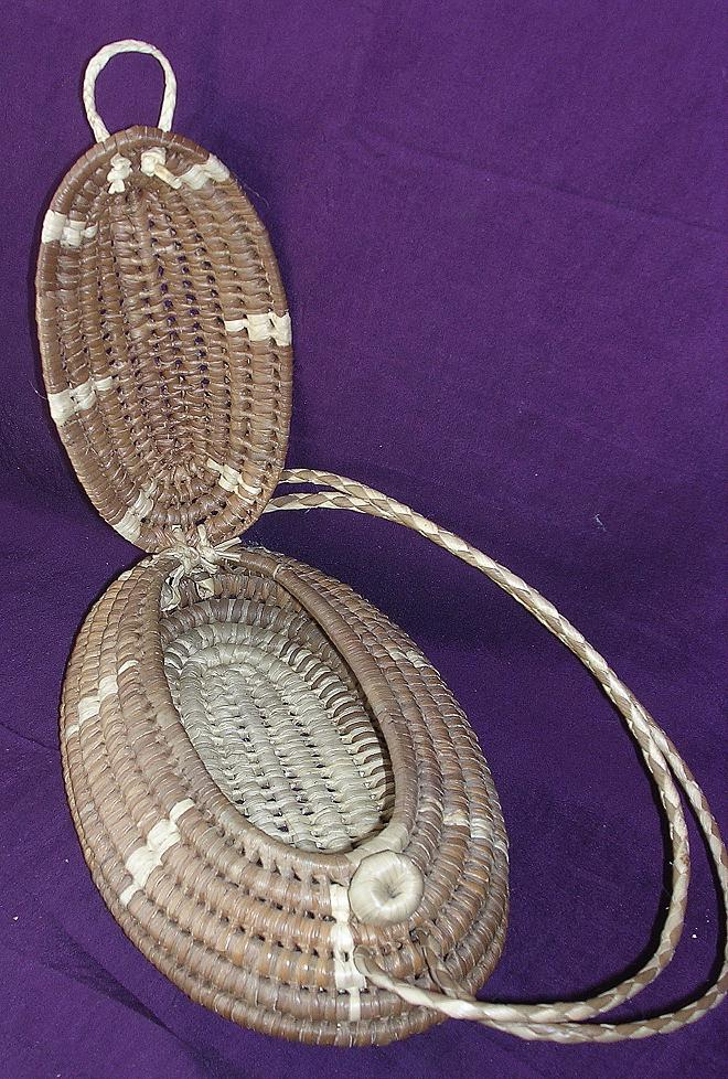 Pacific Islands Woven Flax Tub Style Kete, Handbag or Purse