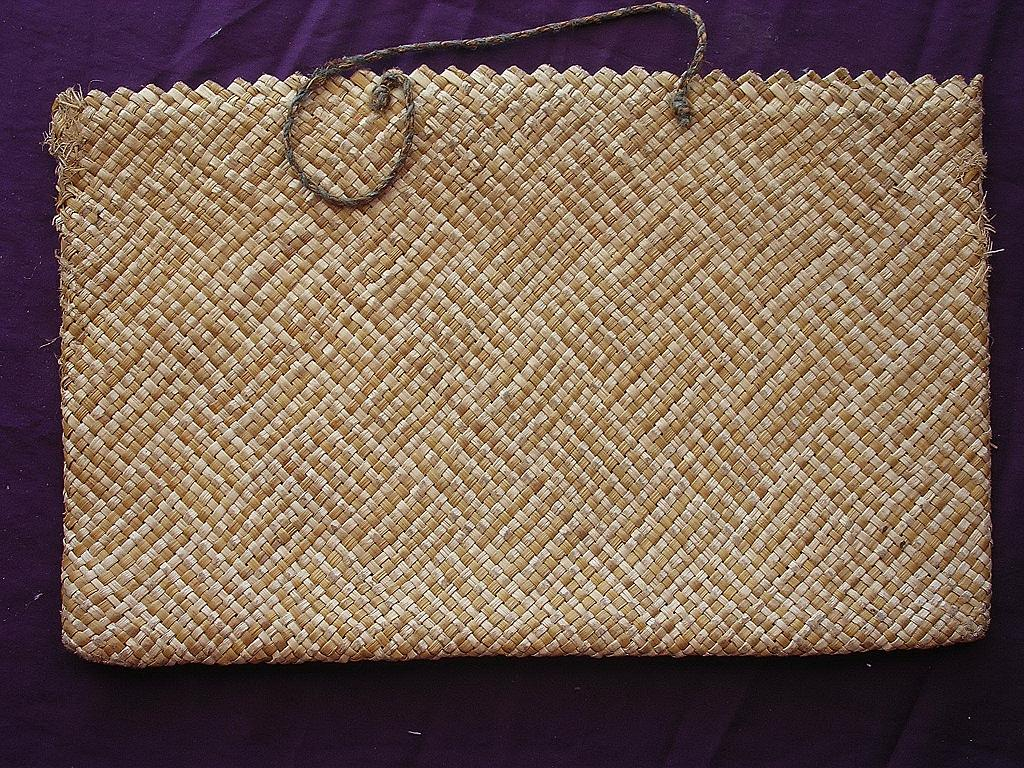 Very Fine Woven Flax Kete or Handbag of New Zealand Maori Origin