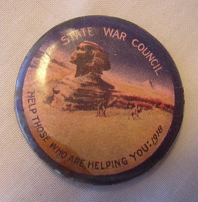 World War One Australian War Effort Pin-Back Badge 'EGYPT'