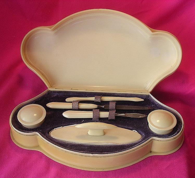 Art Deco IVORINE Ladies Manicure Set
